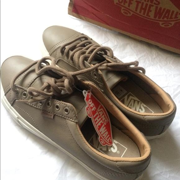 15fcf5d31358bb New Vans Court DX Leather Sneakers Women 9.5M